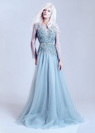 Barato Barato Moda Mangas Compridas-Fashionable 2017 Light Blue A-Line Beaded Backless Vestidos de noite com flores artesanais Bateau Neck Long Sleeve Evening Gowns Cheap Dresses