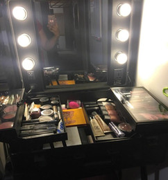 $enCountryForm.capitalKeyWord Australia - Rolling Studio Makeup Artist Cosmetic Case w  6x 40W Light Bulb Adjustable Leg Mirror Cosmetic Black Train Table