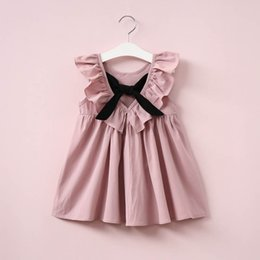 Vêtements Mignons Pour Les Tout-petits Pas Cher-Dusty Pink Baby Girl Dress Ruffle Collar Vêtements pour enfants Backless Vêtements pour enfants Summer Girls Robe avec Bow Cute Toddler Dress