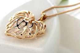 China Hollow gold love leaf with shiny zircon necklace pendant Long necklace Alloy Gold Silver Sweater chain ornaments Clothing accessories supplier ornament clothing suppliers