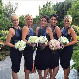 2017 New Sexy senza maniche Scuro Navy paillettes brevi abiti da damigella d'onore al ginocchio Sparkly Sheath Ruffles Maid Of Honor Abiti Short Party Gown