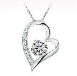 94a5c3315aaa Alta calidad Cristal austriaco Diamantes Amor Corazón Colgante Collar  Llamativo Clase de Moda Mujeres Niñas Señora Swarovski Elements Joyería