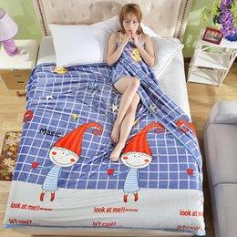 2017 Moda Coral fleece cobertor cobertores de sofá de Viagem Acampamento Toalhas lençol de garantia de Qualidade bem-vindo atacado em Promoção
