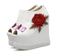 $enCountryForm.capitalKeyWord Canada - Sexy white black platform wedges rose floral embroidery high heels peep toe shoes pumps size 34 to 39