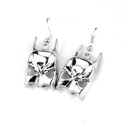 $enCountryForm.capitalKeyWord UK - Antique Silver Jewelry Super Hero Batman Mask Earrings Alloy Pendent Charm Drop Earrings