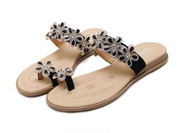 China plus size 35 to 40 41 lovely exquiste flower thong sandals with crystal flat heel slipper suppliers