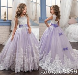 Barato Laço Casamento Vestidos Branco Roxo-2017 Beautiful Purple and White Flower Girls Dresses Beaded Lace Appliqued Bows Vestidos de desfile para crianças Wedding Party DTJ