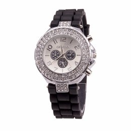 Wholesale 200pcs Geneva Crystal Classic watches with eyes silicone double diamond ladies wristwatch for unisex Hot selling DHL free