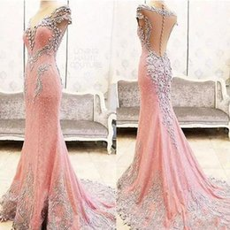 Robe Rose Robe De Dentelle Pas Cher-Sexy Pink Lace Mermaid Robes de soirée Sheer Neck Illusion Back Beading Crystals Broderie Appliques Prom Party Robes Sweep Train 2017