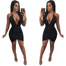 Barato Barato Preto Vestidos Casuais-Sexy Backless Bandage Mini Vestidos 2017 Summer Cheap Mulheres Venda Deep V Neck Little Vestidos Preto Solid Party Club Dress