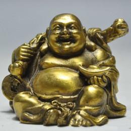 Elaborado Budismo Chino Latón Feliz Riendo Maitreya Buda Sosteniendo Dinero Auspicioso Estatua en venta