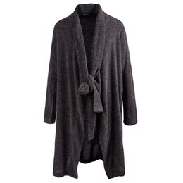 Chaqueta Gris Baratos-Trendy Men's Loose Grey Black Gothic Cape Avant-grade Rib Long Front Trench Drape Cardigan Lino de algodón para hombre Thin Dust Coat Tops