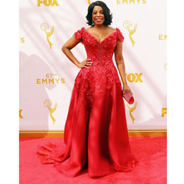 Short Sleeve navy dreSS online shopping - Glarmous Red Lace Celebrity Dresses Short Sleeves Niecy Nash Red Carpet Dresses th Emmy Awards Sexy V Neck Organza Evening Gowns