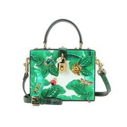 Hand Bags Types Australia - 2017 new type of leather inlaid with precious stones, beads, boxes, bags, bags, women, hand bags, green bags
