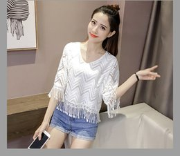 Blouses Blouses T Shirt Pas Cher-2017 Summer NOUVEAU Brand Women Lace T-shirts Deep V Hollow Out Blouse Tops Chemises femme pour femme base shirt Sexy Slim blanc dentelle Tees