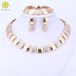 jewelry dubai Canada - Dubai Gold Color Jewelry Sets Nigerian Wedding African Beads Crystal Bridal Jewellery Set Women Wedding Party