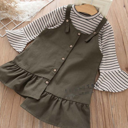 Barato Camisas De Listras-Wholesale Girls Clothing Sets 2pcs stripe manga comprida T-shirt sob camisa + jumper saia kids Best Suits Children Outfit Autumn Clothes A972