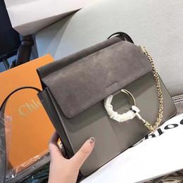 Venta al por mayor de Famosos bolsos de hombro de las mujeres de la marca de lujo de la cadena de cuero real bolsos bandolera famoso círculo diseñador monedero de alta calidad bolso femenino