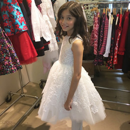 Discount little girl simple gown images - Simple Design Cheap Flower Girls Dresses Lace Holy Communion Gowns Knee Length White Dress For Little Girl
