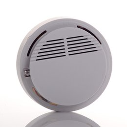 Chinese  Smoke Detector Alarm System Sensor Fire Alarm Wireless Smoke Detector Home Security High Sensitivity Stable LED 9V battery operated white manufacturers