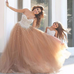 Robes Formelles En Tulle Pas Cher-Luxe Sweetheart Beaded Crystal sans manches Robes de bal Tulle Formal Femme Robes de bal robe de fête Custom Made