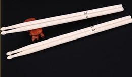 1 Par de 41 CM Burberry De Madeira De Bordo 5A Baquetas De Madeira Vara para Bateria Tambor Conjunto Leve Profissional de Alta Qualidade frete grátis em Promoção