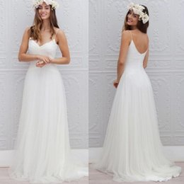 Robes D'été Blanc De Taille Plus Pas Cher-2017 Cheap Summer Bohemian Simple Robe de mariée en marbrure blanche Sexy Spaghetti Straps Backless Pleats Long Robe de mariée en mousseline de soie Plus Size