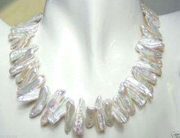Großhandel Seltene und ungewöhnliche Form weiße Perlenkette 17