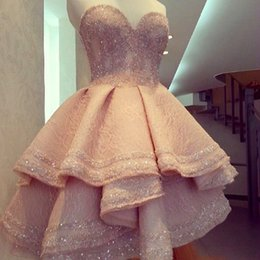 $enCountryForm.capitalKeyWord Australia - 2017 Bling Bling Beads Crystals Lace Prom Dresses Sweetheart Neck Tiered Short Prom Party Gowns