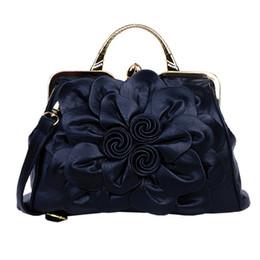 $enCountryForm.capitalKeyWord Canada - Charm in hands Big Flower Women Leather Handbags Hot Sale Tote Luxury Women Messenger Bags Lady Bolsa Pouch Handbags HLB029