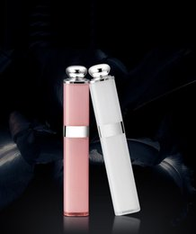 Lipstick Self Canada - Handheld Extendable Luxury Mini Lipstick Wired Selfie Sticks Built-in Bluetooth Shutter Self Timer Monopod For iPhone Samsung Sony HTC LG