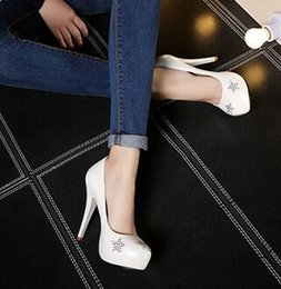 $enCountryForm.capitalKeyWord Australia - Wholesale New Arrival Hot Sale Specials Super Fashion Sweet Girl Sexy Flower Rivet Five-Star Platform Noble Knight Heels Dress Shoes EU34-40
