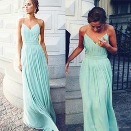 Barato Vestidos De Dama De Honra Ruffle Verde-Sage Green Flowy Chiffon Bridesmaid Dresses Spaghtti Straps A Line Full Length Ruffles Wrinkle Plus Size Maid Of Honor Party Prom Gowns