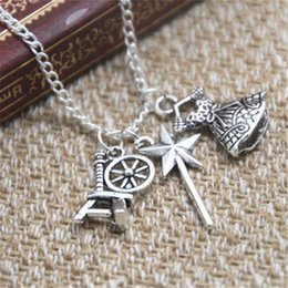 Jupe Pour Dormir Pas Cher-12pcs / lot Sleeping Beauty Inspired Charm collier filature roue jupe charme collier