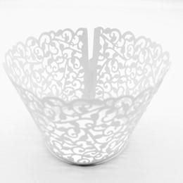 Promoción envío gratis nueva vid blanca filigrana corte por láser taza de encaje pastel envoltura Cupcake Wrapper para boda fiesta de navidad decoración 37E