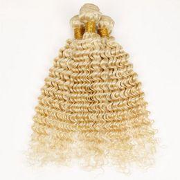 Capelli biondi lunghi e ondulati capelli vergini peruviani in Offerta