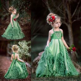 Robe De Mariée Halter Pas Cher-Beach Hunter Green Halter Flower Girl Robes Occasion spéciale pour les mariages Ruffled Kids Pageant Robes A-Line Applique Robe première communion