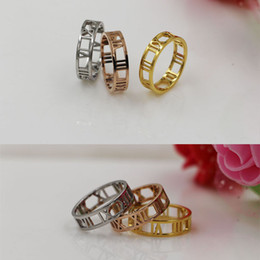 Hollow Fingers Australia - Wholesale new trade wide hollow ring finger ring steel 18K Rome digital couple ring