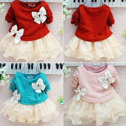 Barato Rendas Chiffon Tops Vestidos-Atacado- Lovely Baby Girls Dress Knit Crochet Sweater Tops Lace Bowknot Vestidos Vestuário