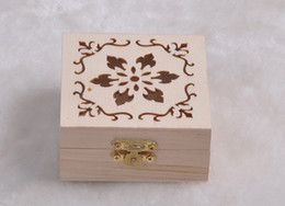 Wholesale Wood Boxes NZ - New Arrival zakka Wood Small Box With Lid and Golden Lock Mini Cosmetic Jewerally Storage Box Wedding Table Gift Box Xmas free shipping