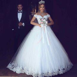 Modern Petticoat Canada - Dubai Arabic Off The Shoulder Wedding Dresses 2017 Appliques Lace Petticoat Ball Gown Sweep Train Bridal Gown Custom Made