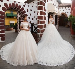 Barato Marfim Casamento Vestidos Ocidentais-Vintage Arab Princess Ivory A Line Vestidos de noiva Lace Turkey Mulher País Western Bridal Gowns 2016 Appliques Off-Shoulder Cheap
