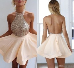 Barato Barato Pêssego Curto Vestidos-2017 Cheap Blush Novos Peach Halter Neck Homecoming Vestidos Blingbling Sequins Corpete Backless Chiffon A-line Short Prom Evening Gowns