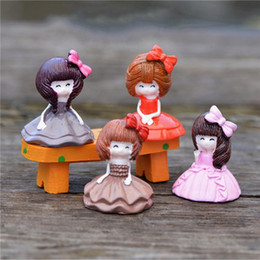 $enCountryForm.capitalKeyWord Canada - 4pcs set Lovely Sweet Girl prince Mini Micro Landscape Resin Home Garden Decoration Ornaments DIY for Gift