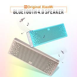 Ingrosso All'originale - Nuovo originale Xiaomi Mi altoparlante wireless Bluetooth 4.0 di supporto portatile Chiamate a mani libereTelefoletta AUX-in per smartphone Android iOS