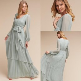 Barato Vestidos De Dama De Honra Chiffon Chiffon-BHLDN Vintage Sage Chiffon manga comprida Vestidos de dama de honra Bohemian 2018 Modest Flare Flowing V-neck Junior Wedding Guest Party Dress Cheap