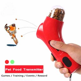 Juegos Al Aire Libre Educativos Baratos-Transmisor de alimentos para mascotas de 4 colores Catapult Games Training Reward Outdoor Interactive Toy Dog Training
