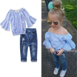 Boutons Manchés Pas Cher-Ins Summer Girls 2pcs Vêtements Suit Baby Kids Slash Neck Flare Sleeve Stripe Tops Blouse + Jeans Ensembles de vêtements pour enfants 13170