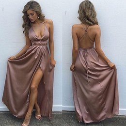 V Col Pas Cher-Sexy Backless Side Split Evening Robes Simple Gaine V Neck Robes habillées 2018 Floor Length Prom Robes Party Wear Gowns Cheap