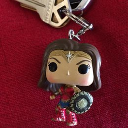 Barato Brinquedos Boneca Feminina-Keychain DC Wonder Woman Movie Cosplay Mini Wonder Woman Keychain Pendente PVC Action Figure Model Doll Toys